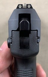 H&K USP Compact .40 S&W, Night Sights - excellent - - 3 of 3