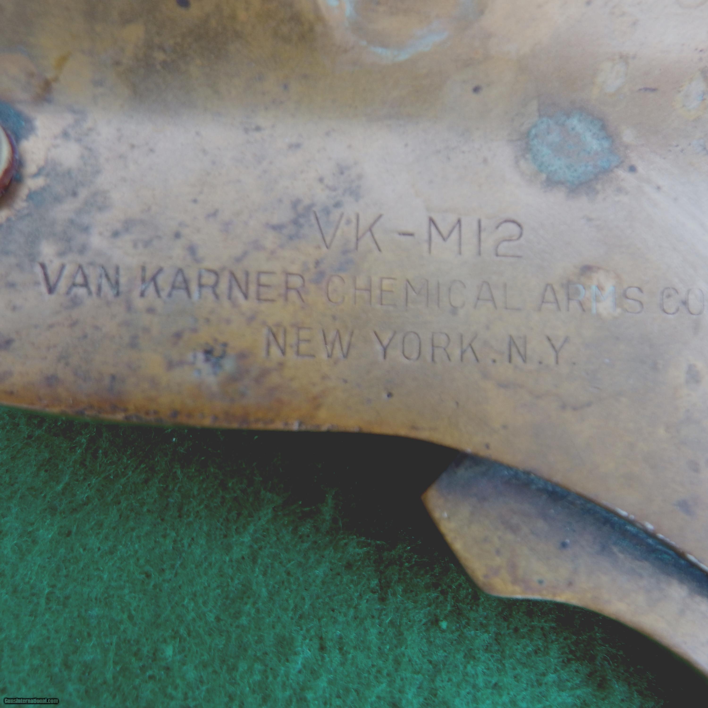 RARE VAN KARNER WWII NAVAL 37 MM FLARE PISTOL W/FLARES