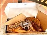 """S&W model 63 22 cal. """" KIT GUN """" new in the box ! - 11 of 15"""