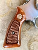 """S&W model 63 22 cal. """" KIT GUN """" new in the box ! - 7 of 15"""