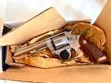 """S&W model 63 22 cal. """" KIT GUN """" new in the box ! - 2 of 15"""