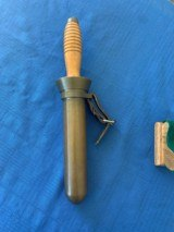 U . S . NAVY WW2 Divers Knife with BRASS Scabbard - 1 of 12