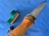 U . S . NAVY WW2 Divers Knife with BRASS Scabbard - 5 of 12
