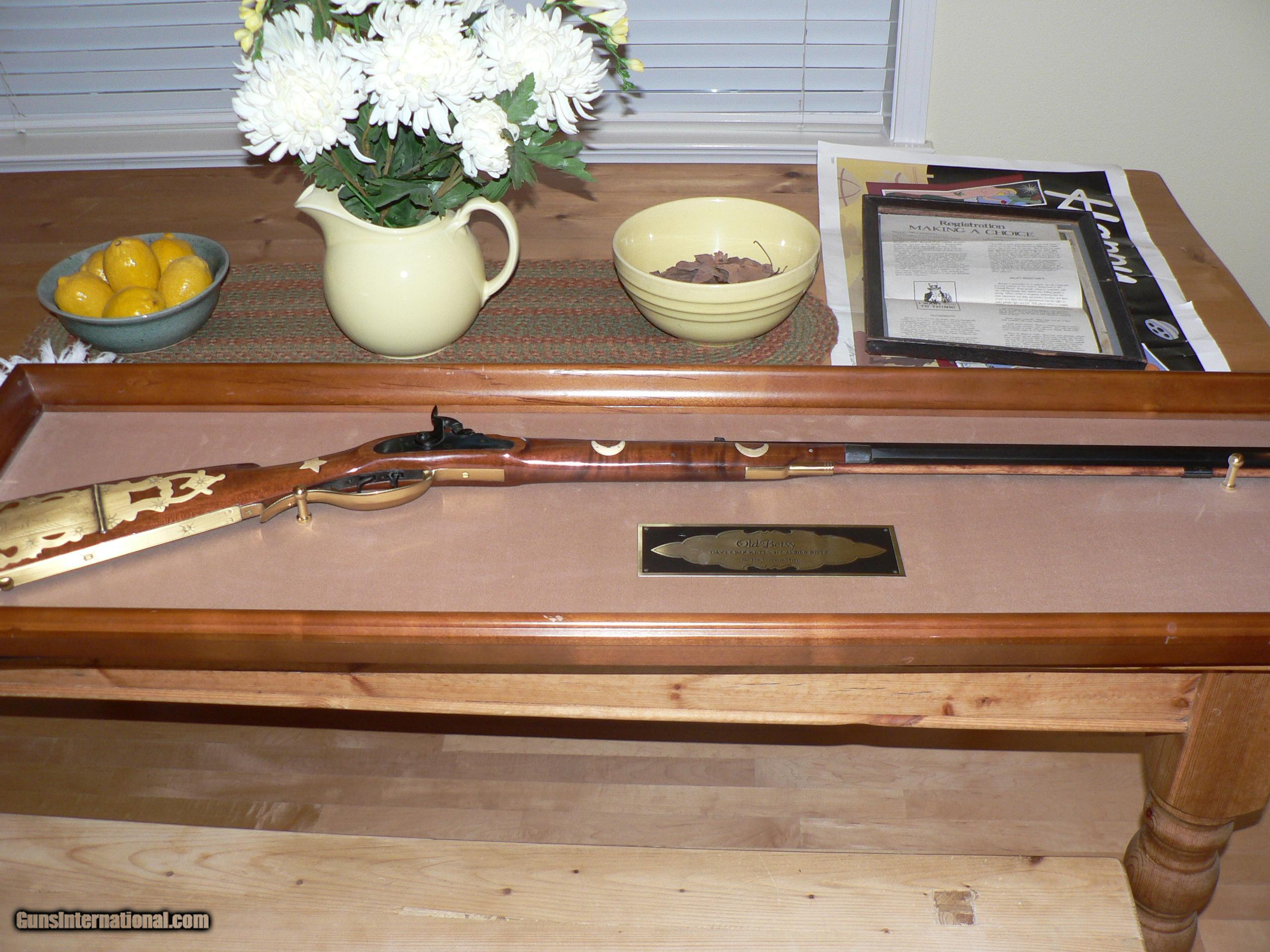 Franklin Mint replica of Davy Crockett s 1835 41 cal rifle