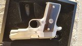Colt first edition stainless steel 380 government - 4 of 8