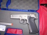 SW MODEL 5906WITH NITE SITES, TWO FACTORY HIGH CAP MAGS, BX - 3 of 6