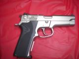 SW MODEL 5906WITH NITE SITES, TWO FACTORY HIGH CAP MAGS, BX - 5 of 6