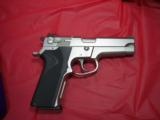 SW MODEL 5906WITH NITE SITES, TWO FACTORY HIGH CAP MAGS, BX - 4 of 6