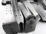 Lots of 3 or more Smith & Wesson Factory MP45, 10 Shot Magazines M&P .45 ACP XM19469U VG $29 per on 3 or more - 4 of 11