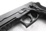 Sig 9mm P229R P229 Nitron & Stainless 16 Shot P228 type Compact NIB Sig Sauer 2 Factory Magazines 3 Dot Rail E29R9B- 7 of 13