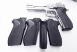 Smith & Wesson Factory Grip 4500 1000 series .45 ACP and 10mm Pistols New from Bulk, Fits models 4506 4566 4586 1006 1066 1086 No Decocker type 203590 - 12 of 12