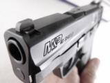 Smith & Wesson MP40 Shield .40 S&W Flat Thin Sub Compact NIB 8 Shot 2 Magazines- 4 of 15