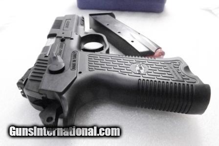 CZ75 Clone SAR Arms EAA 9mm model SARK2P 3 Dot Adjustable