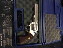 Colt MKIII Walnut Checkered Grips w/ Medallions - 2 of 3