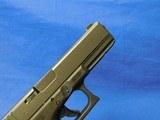 Glock G22 Gen 4 40S&W - 6 of 23