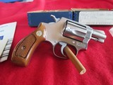 Smith & Wesson Model 60 stainless 38 special - 1 of 9