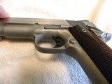 Colt 1911 Custom Combat Commander 45 match. stainless steel. - 9 of 20