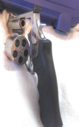Smith & Wesson 460V 5 - 7 of 12