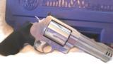 Smith & Wesson 460V 5 - 2 of 12