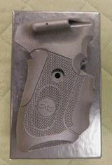 CrimsonTrace laser grip sig sauer P239 - 2 of 2