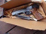 Smith & Wesson model 41 Near New 1994 In Box w/extra mag and accessories BARGAIN