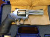 SMITH & WESSON 686 .357 - 3 of 9