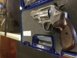 SMITH & WESSON 629 DELUXE .44 - 2 of 7