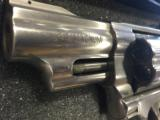 SMITH & WESSON 629 DELUXE .44 - 3 of 7