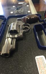 SMITH & WESSON 629 DELUXE .44 - 4 of 7