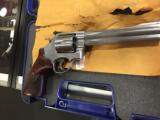 SMITH & WESSON 629 DELUXE .44 - 6 of 8