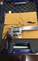 SMITH & WESSON 629 DELUXE .44 - 7 of 8