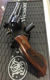 Smith and WessonModel 586 .357 Magnum - 7 of 12