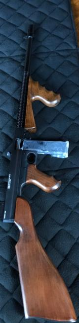 "CSMC - STANDARD MANUFACTURING CO THOMPSON MODEL 1922 ""TOMMY GUN"" .22 LONG RIMFIRE - NEW IN BOX!"