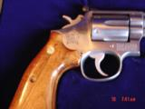 "Smith & Wesson 66-1,357mag,4"" Chicago Police Dept,125 years service,satin stainless,in case,1980 - 3 of 10"