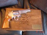 "Smith & Wesson 66-1,357mag,4"" Chicago Police Dept,125 years service,satin stainless,in case,1980 - 5 of 10"