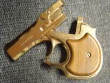 High Standard Gold Presentation Derringer,22 magnum,original box,& papers,2 shots,rare model ,nice wood grips !! - 2 of 12