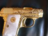 Colt 1908 Vest Pocket 25acp,100%+ master engraved by Jeff Flannery,24K plated,Pearlite grips,hammerless,a work of art,grip safety,made in 1918 !! - 4 of 12