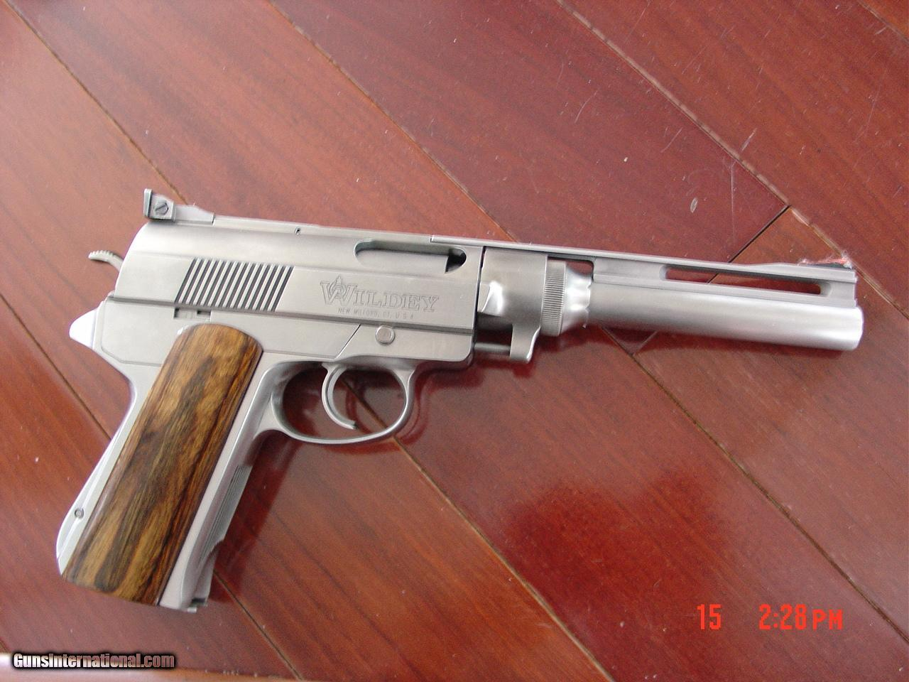Sites with magazines related to Weapons: a selection of sites