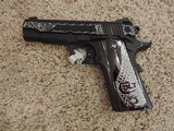COLT COMBAT COMMANDER O4942XE - 9MM CUSTOM HAND ENGRAVED - 1 of 2