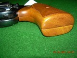"""Colt Detective Special 2"""" in ? .38 Special! Blue and wraparound walnut grips - 9 of 13"""