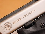 Smith & Wesson SW22 Victory Threaded Barrel 10201 - 5 of 16