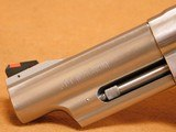 Smith & Wesson Model 629-6 (4-inch, .44 Magnum, 163603) - 5 of 14
