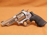 Smith & Wesson Model 629-6 (4-inch, .44 Magnum, 163603) - 2 of 14