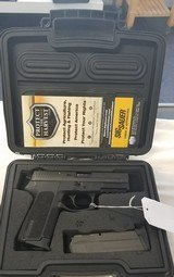 Sig Sauer model SP 2022..15 shot 9mm..Excellent used condition.. - 3 of 6