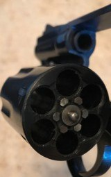Smith and Wesson 19-4 (blue, 2 inch) - 6 of 7