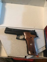 Smith and Wesson 422 (orig box)
