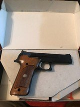 Smith and Wesson 422 (orig box) - 10 of 10