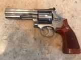 Smith and Wesson 686-2 (4 in, original box)