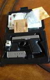 kahr pm40 - 1 of 4