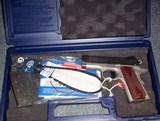 Colt DEFENDER .45ACP - 1 of 3